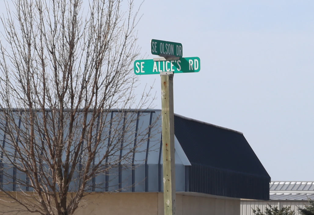 Alices olson sign